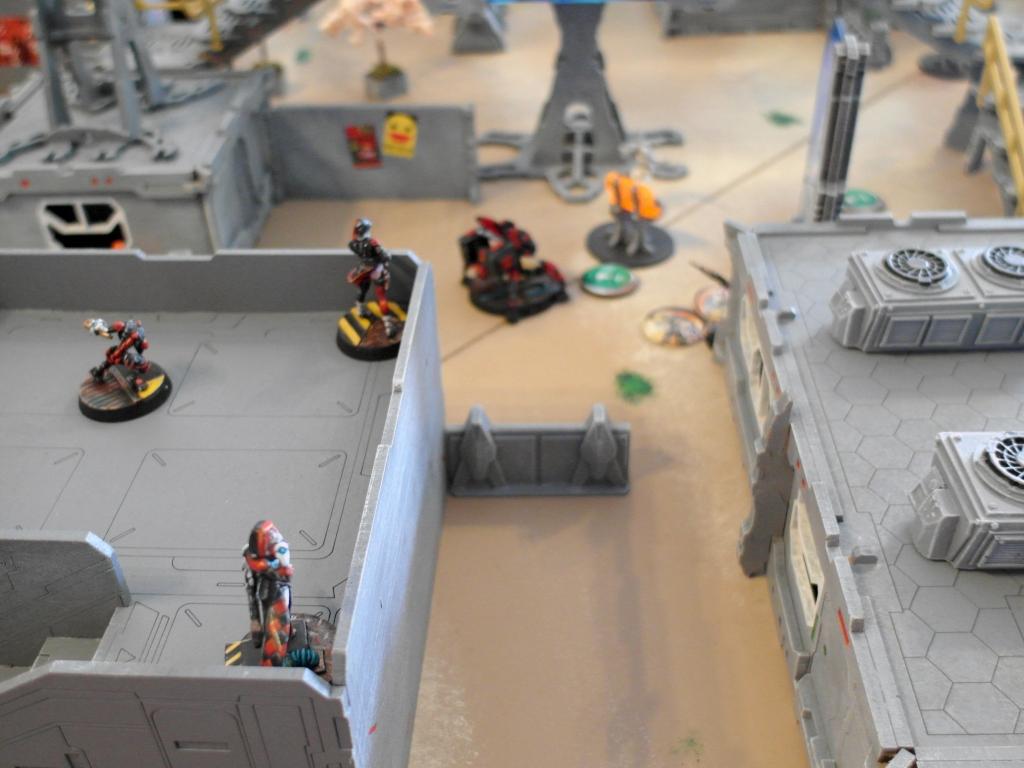 Despite trying repeatedly, the Nomads just can't wrestle control of the central objective from the Haqqislam troops - click to enlarge